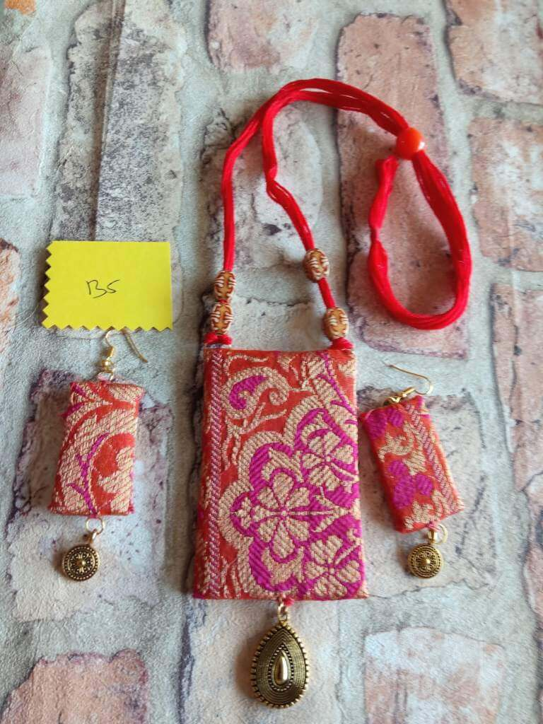 Handcrafted Exclusive Piece In Brocade Fabric Jewelry Wonderwheel Store