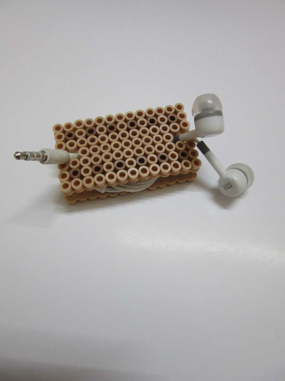 BISCUIT HEADPHONE HOLDER